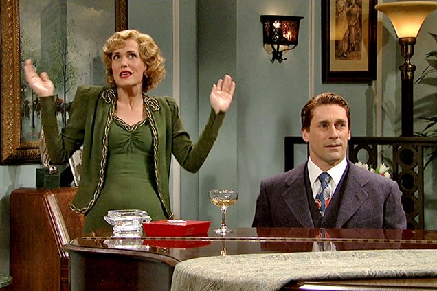 celebrity-trends-2015-10-kristen-wiig-weirdest-snl-beauty-moments-20s-party-lady.jpg